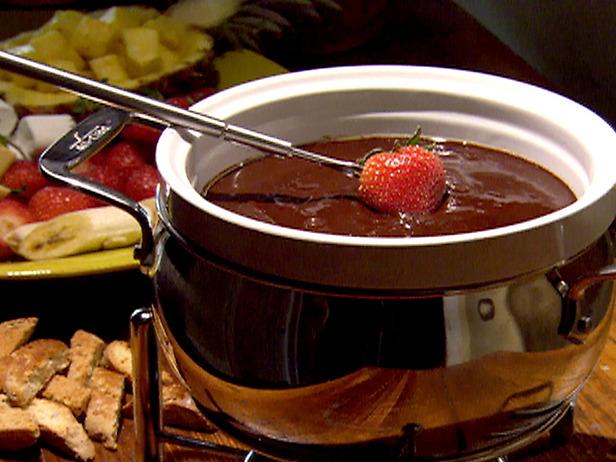 Fondue Recipes | Cheese and Chocolate Fondue